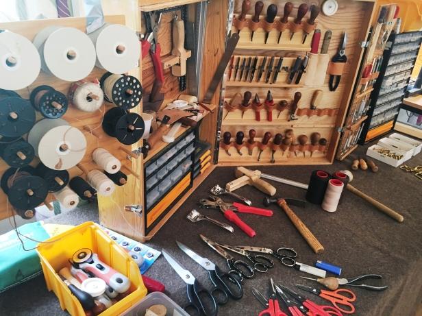 Alla verktyg som behövs finns såklart också